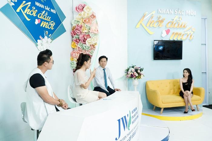 """Diễn viên Hà Trí Quang """"phát cuồng"""" với nhan sắc của """"Người đẹp Tây Đô"""" sau nâng mũi - hình 3"""